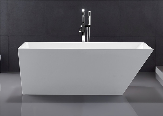 Classic Rectangular Soaking Tub , High Gloss Surface Freestanding Modern Tub