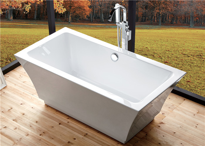 Residential Luxury Freestanding Bathtubs , Pedestal Soaking Tubs For Small Bathrooms