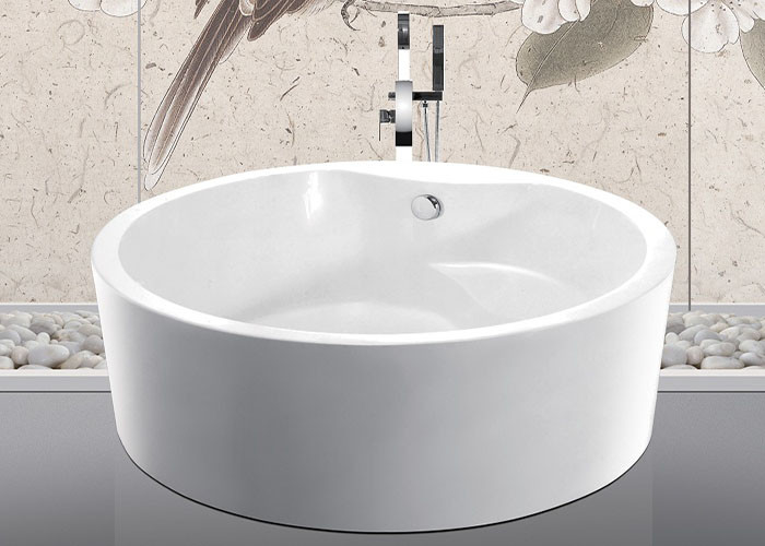 Custom Small Round Freestanding Bathtub With Pop - Up Drain 1500x1500x600mm