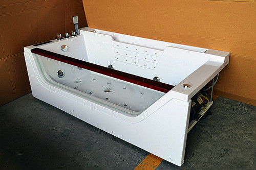 China Computerized 70 Inche Mini Indoor Hot Tub Single Person Hot Tub With 12 Massage Air Jets distributor