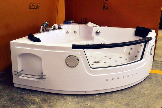 China Mini Jacuzzi Freestanding Tub Whirlpool Air Tub With 2 Pcs Pillow 1400 * 1400mm factory